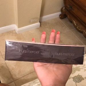 Laura mercier head band tie, never used sealed
